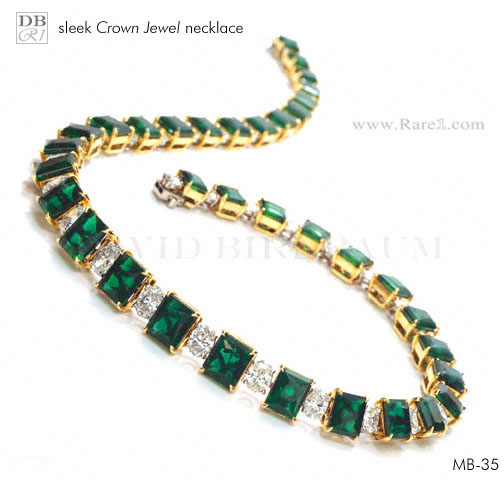 Sleek Crown Jewel Emerald Necklace