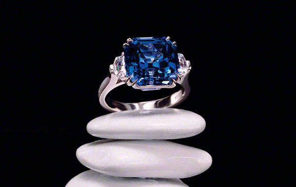TAILORED Asscher-Cut Sapphire Ring
